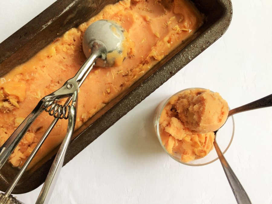 Sorbet de Pêssego e Amêndoas Caramelizadas